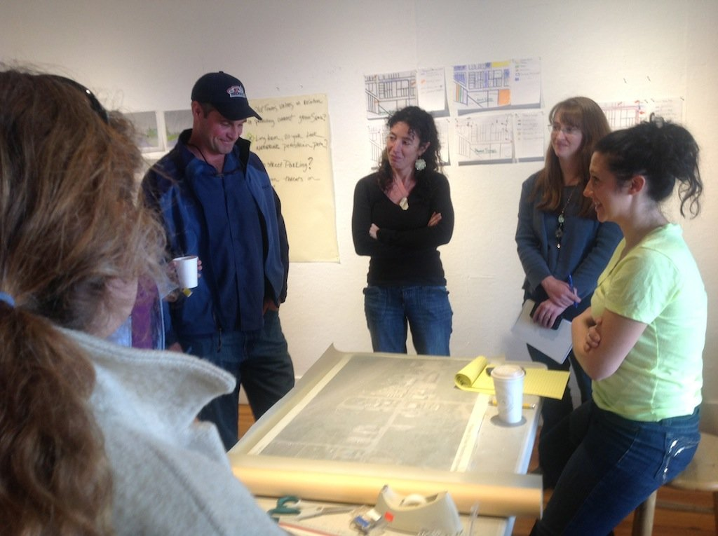 Old Town Neighbors Meet To Strategize About Traffic Calming
